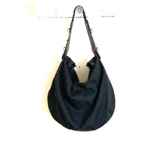 c9485fd126c4 Gucci Handbags - Gucci hobo bag